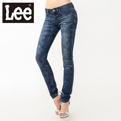 【Super Sales 褲款下殺↘2.5折】LEE 牛仔褲 402 超低腰緊身窄管花朵印花 -女款(中藍)