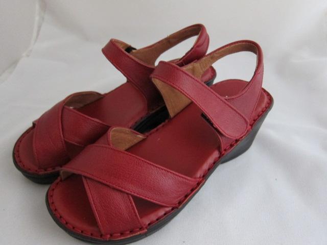 真皮工坊~穿過的都說讚【C7026】比氣墊鞋好穿*保證真皮㊣牛皮手工涼鞋【顏色多種可自選、顏色挑選請參考首頁】