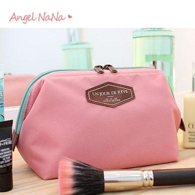 收納袋。 AngelNaNa 皮標字母 化妝包/旅行收納包【BA0195】