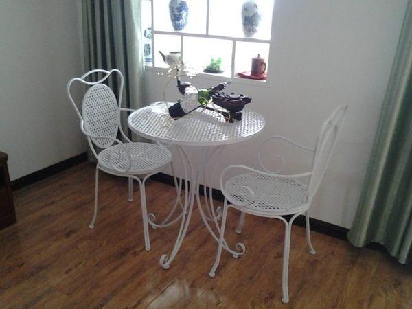 《Chair Empire》白色一桌二椅 戶外陽台休閒咖啡廳桌椅 歐式鐵藝桌椅 白色戶外桌椅