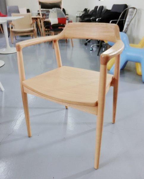 《Chair Empire》北歐風格餐椅 實木餐椅 eames風餐椅 造型餐椅 扶手實木餐椅 loft風