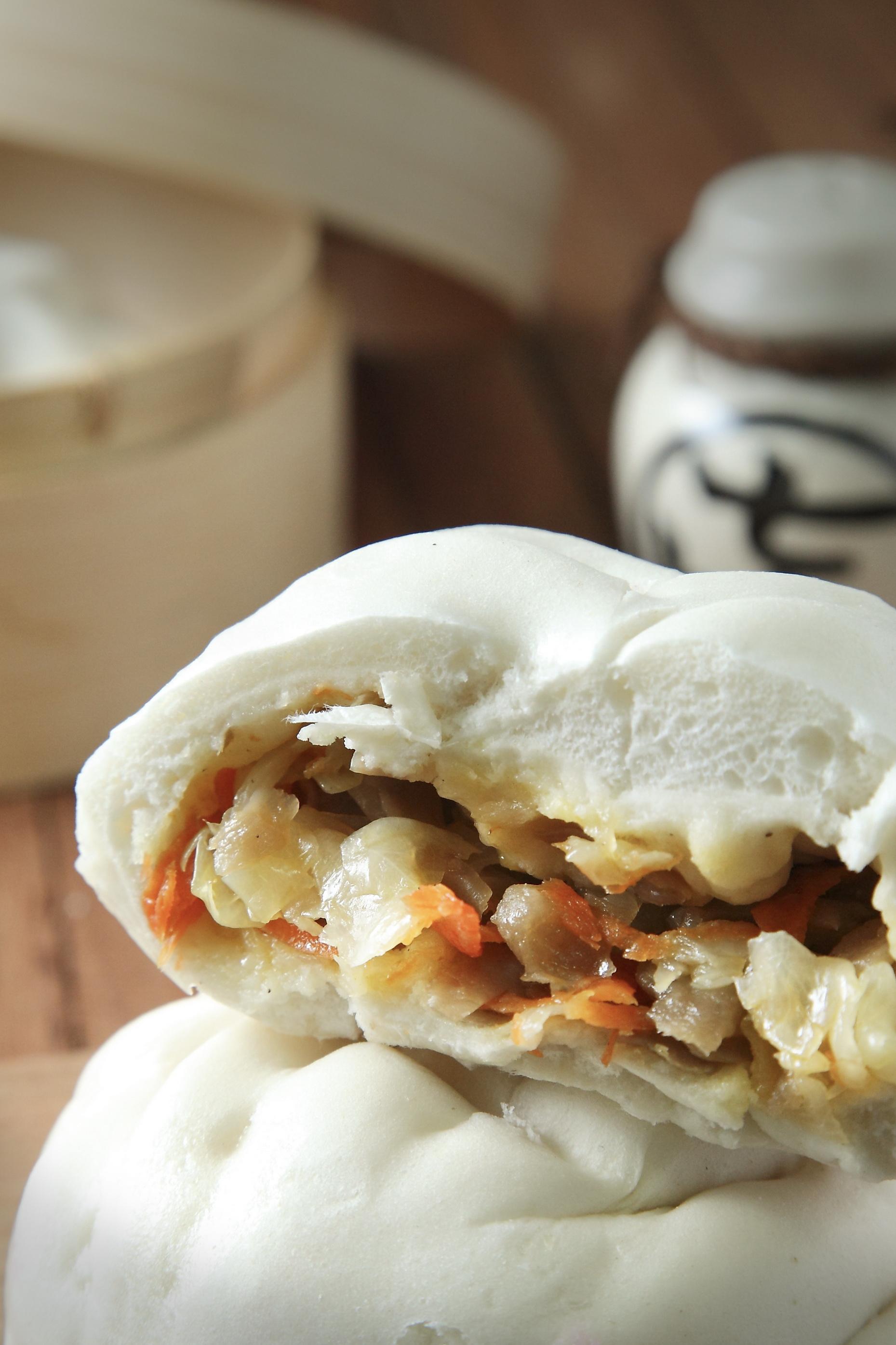 [ 愛上和平 Love&Peace] 純手工台灣高麗菜包,在地四十年各大專業品牌客製,破例網路平價開賣,c/p值超高。