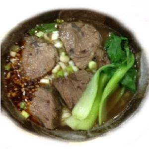 【梅姨滷味 】紅燒牛肉麵 (牛肉湯500c.c & 拉麵150g )原汁原味,肉Q彈 純手工花費6小時熬煮