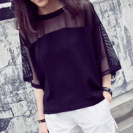 SISI【T6032】性感港風透視露膚網紗拼接寬鬆圓領五分袖T恤上衣