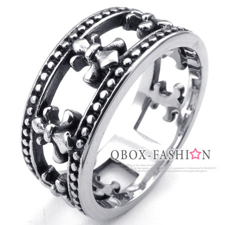《 QBOX 》FASHION 飾品【W10023648】精緻個性克羅心十字架鏤空鑄造316L鈦鋼戒指/戒環