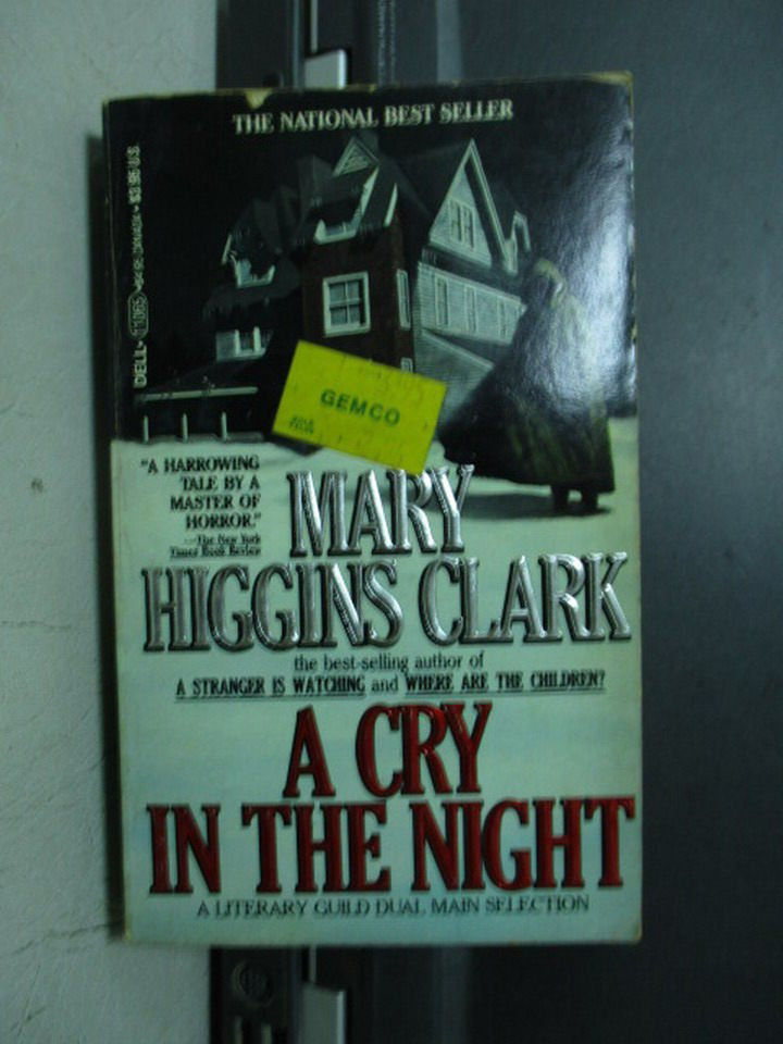 【書寶二手書T3/原文小說_OQC】A Cry in the Night_Mary Higgins Clark