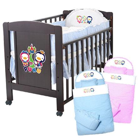 【悅兒樂婦幼用品舘】Puku 藍色企鵝 古典嬰兒床(含寢具)