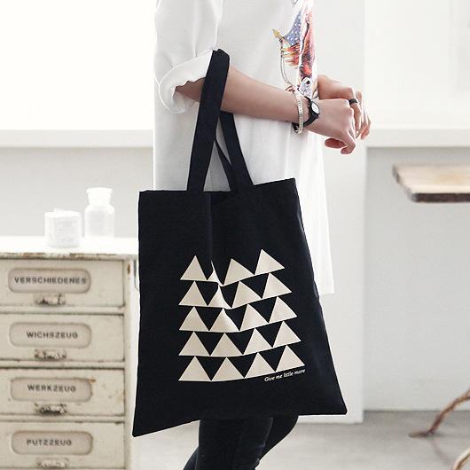 帆布包-現貨販售-簡約三角形側背帆布包手提包-寶來小舖-SJ007
