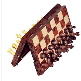 【磁性折疊國際象棋-UB-S碼-棋盤24.5*21.5*1.9cm-1套/組】高檔木塑仿木紋西洋棋 立體國際象棋 帶折疊棋盤成人桌遊(棋盤*1+棋子*32)-56017