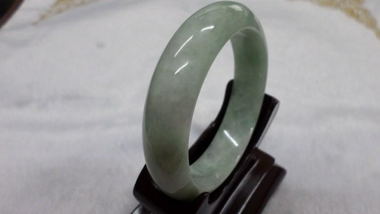 【翡翠淘寶坊】手環.玉鐲w2032/春帶彩  18圍  寬13mm