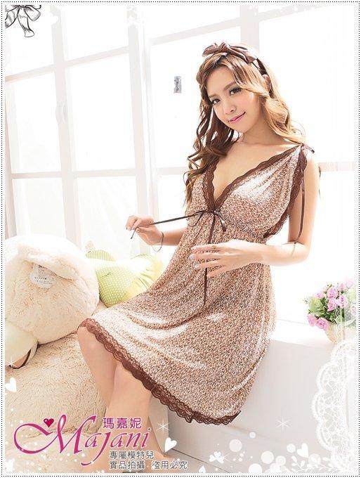 [瑪嘉妮Majani]日系中大尺碼睡衣-寬口袖修飾手臂 性感深V設計 附同款丁字褲 特價349元 js-136