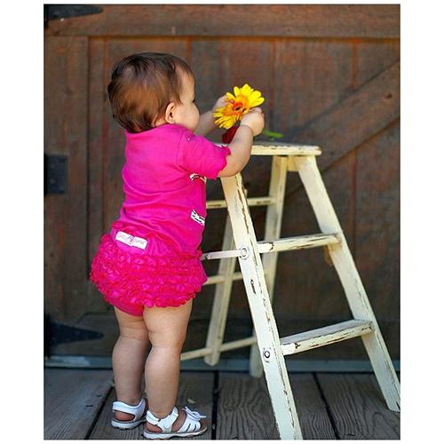 【HELLA 媽咪寶貝】美國 RuffleButts 小女童荷葉屁屁褲/包屁褲_桃紅 Knit  (RBRBK02)