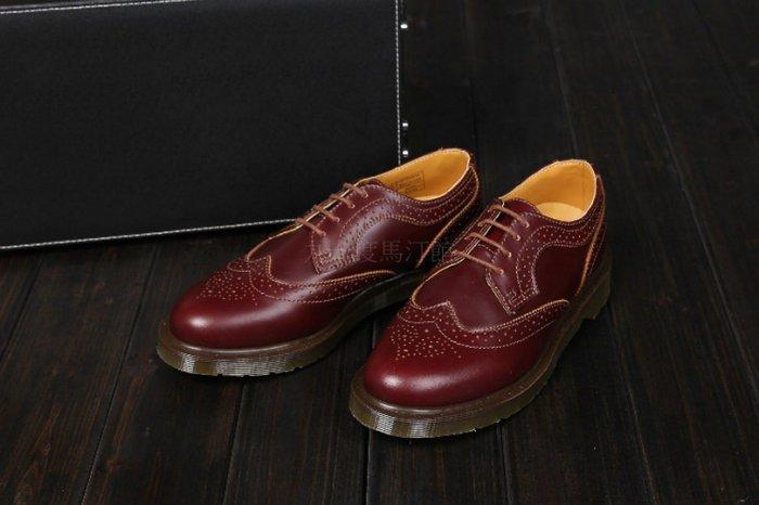 【九十度馬丁管】【兩日到貨】【免運】【4孔酒紅擦色】【牛津鞋】Dr. Martens馬丁馬汀靴子