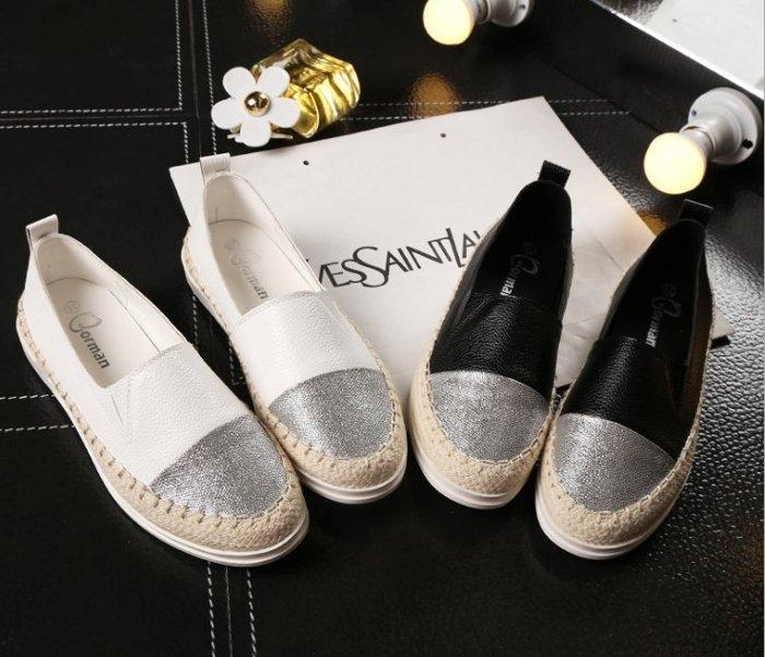 【Pyf】銀色雙色拼接 樂福鞋休閒漁夫鞋 草編底 平底懶人鞋 鉛筆鞋 42 43 大尺碼女鞋