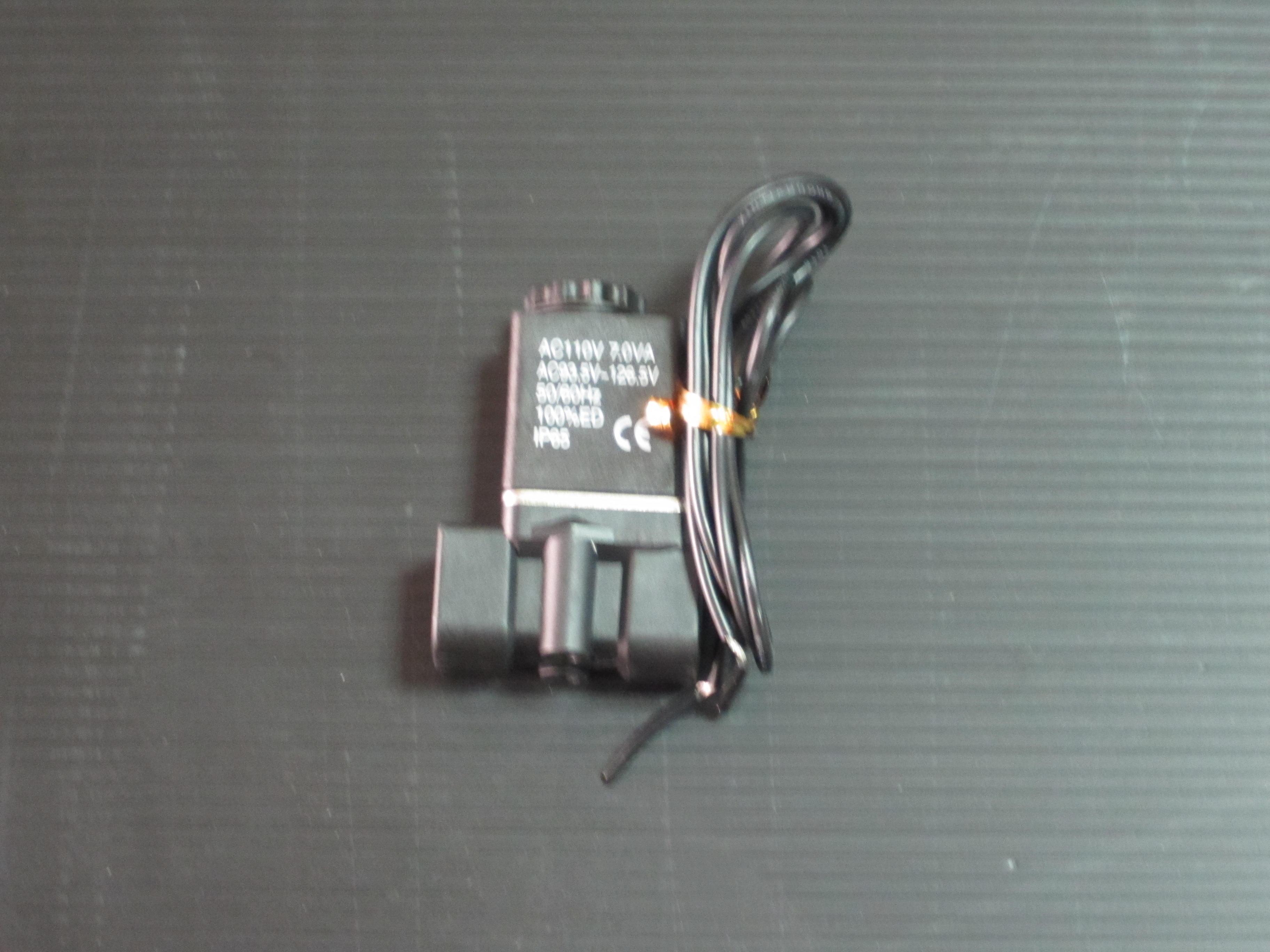 單顆兩分電磁閥(強化塑鋼)(進水洩壓閥) 110V~220V