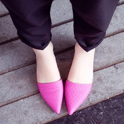 時尚皮革性感尖頭拖鞋【S521】☆雙兒網☆