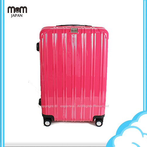 【騷包館】MOM JAPAN 日本品牌 24吋 PC輕量鏡面直線條飛機輪旅行箱 桃紅 MF5008-24-RD