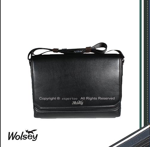 【騷包館】【Wolsey 皇家金狐狸】牛皮 專業橫式掀蓋斜背包==黑色 WS-510602