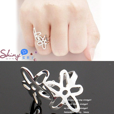 【21A40】shiny藍格子-素雅風格.鏤空雙風信子花造型戒指