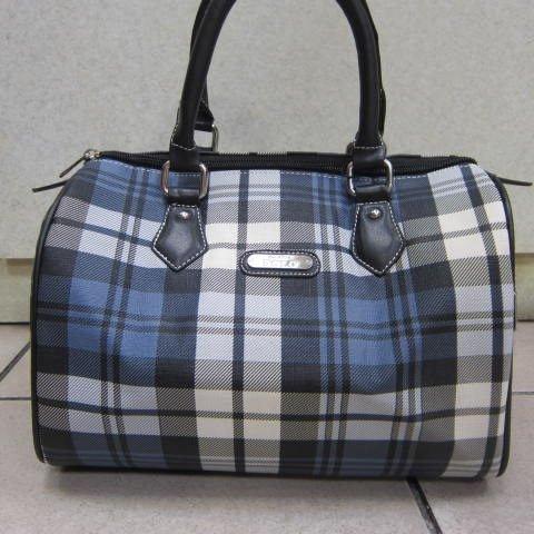 ~雪黛屋~SANDIA POLO 專櫃藍格紋時尚側背包 進口防水防刮皮革 手提波士頓包 J760-03L 藍格