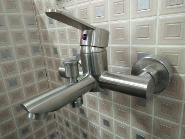 淋浴龍頭+蓮蓬頭(配件全配) 304不銹鋼 沐浴 浴室 衛浴 水龍頭 花灑 台製質感佳 無鉛無毒