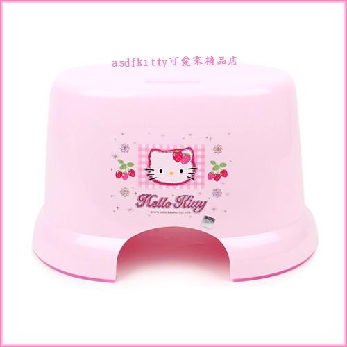 asdfkitty可愛家☆KITTY亮草莓版防滑小椅子/板凳-客廳.浴室都好用-韓國製