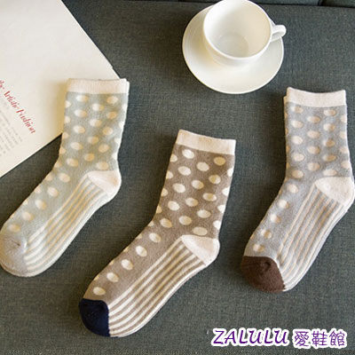 ☼zalulu愛鞋館☼ IH286 科普點點花紋配色中筒全棉襪-灰/棕/深藍