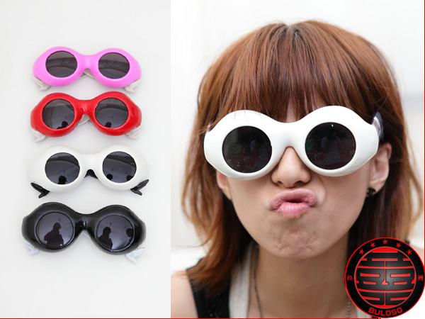 《不囉唆》LADY GAGA 著用 網襪美腿太陽眼鏡 搞怪眼鏡 kuso眼鏡(不挑色/款)【A220170】
