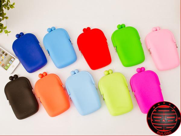 《不囉唆》【A231749】(不挑色) 糖果色果凍10色矽膠手機包化妝包 軟矽膠手機收納包