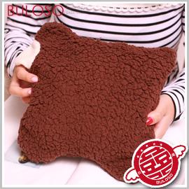 《不囉嗦》【Y234115】 (不挑色)2色綿羊保暖毛毯 懶人毯 暖暖披肩/披風/毛毯/蓋毯 促銷