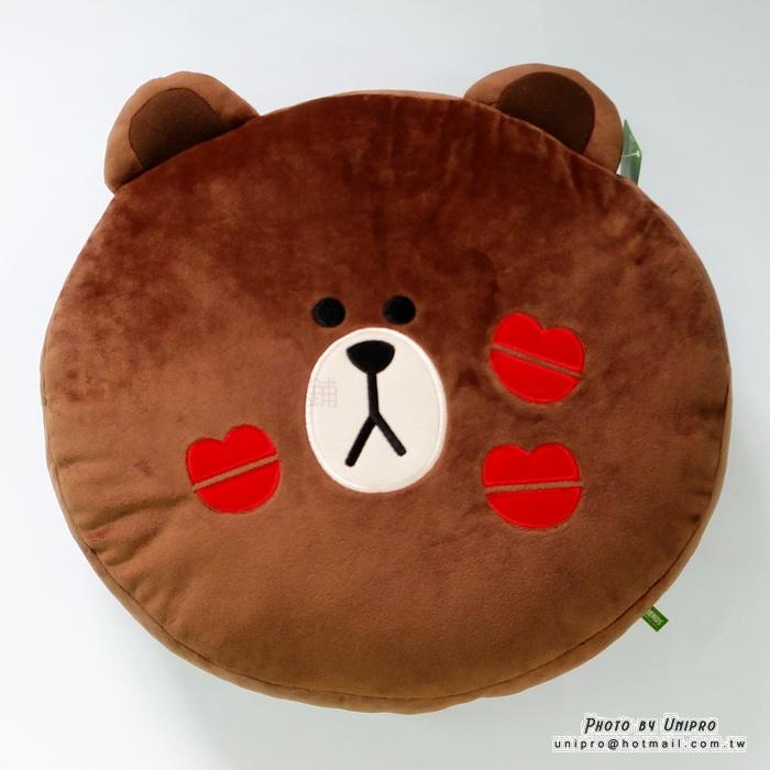 【UNIPRO】LINE FRIENDS 正版授權 KISS 唇印 熊大 頭型 抱枕 靠枕