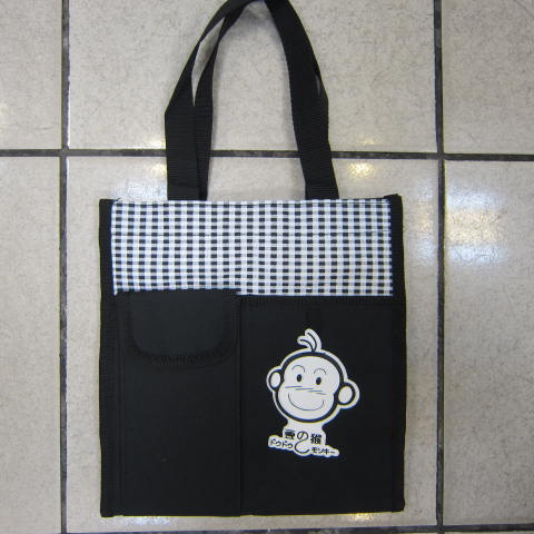 ~雪黛屋~豆豆猴 提袋大容量餐袋小容量才藝袋手提袋簡單袋上學書包以外放置教具品雨衣傘便當袋台灣製造#3608黑