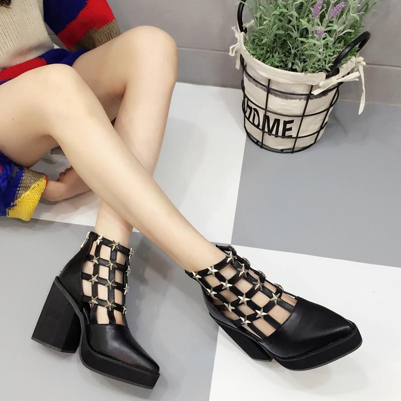 2016新款粗跟尖頭涼鞋鏤空高跟粗跟涼短靴卯丁星星龐克風女鞋踝靴黑白洞洞靴