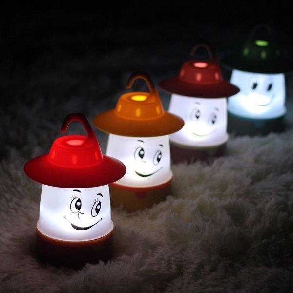 =優生活=『夏日野餐露營季』創意笑臉手提帳篷燈兒童手提小夜燈寶寶感應燈電池LED小夜燈 帳蓬裝飾吊燈 兒童房佈置 安全小夜燈