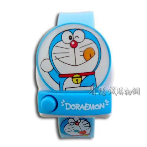 《省您錢購物網》全新~日本限量doraemon 多啦a夢小叮噹卡通電子錶 A款