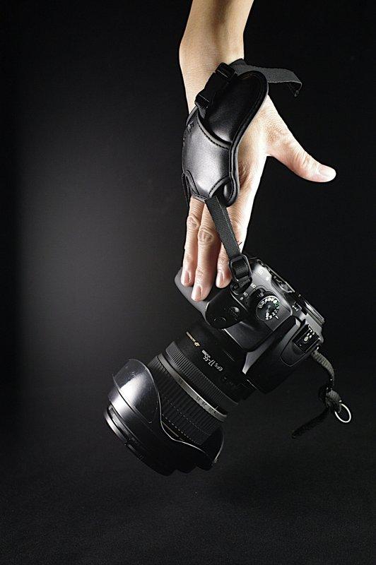 """又敗家@uWinka""""大""""相機手腕帶單眼相機攝影機手脕帶類單眼相機手腕帶類單眼手腕帶單反手腕帶單反相機手腕帶DSLR手腕帶輕單眼手腕帶微單眼手腕帶DC手腕帶手腕袋錄影手腕帶相機腕帶無反手腕帶Nikon手腕帶Canon手腕帶Sony手腕帶Pentax手腕帶OLYMPUS手腕帶Panasonic手腕帶Fujifilm手腕帶EVIL手腕帶"""