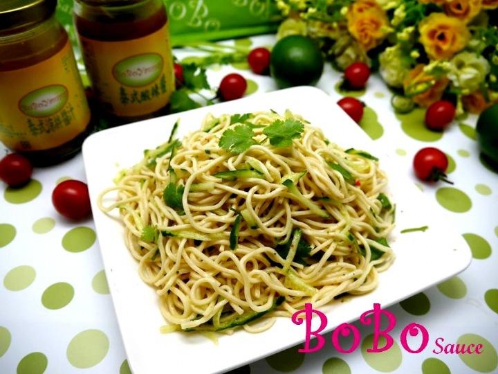 BOBO 食譜 - 全素食泰式酸辣涼麵