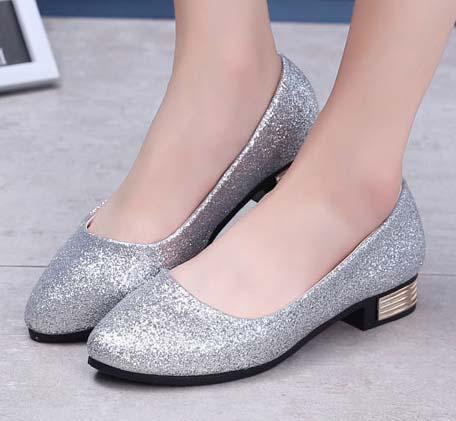 ☼zalulu愛鞋館☼ GE165 現貨 閃閃亮眼腳跟金屬裝飾圓頭粗跟低跟鞋-偏小-黑/金/銀-36-39