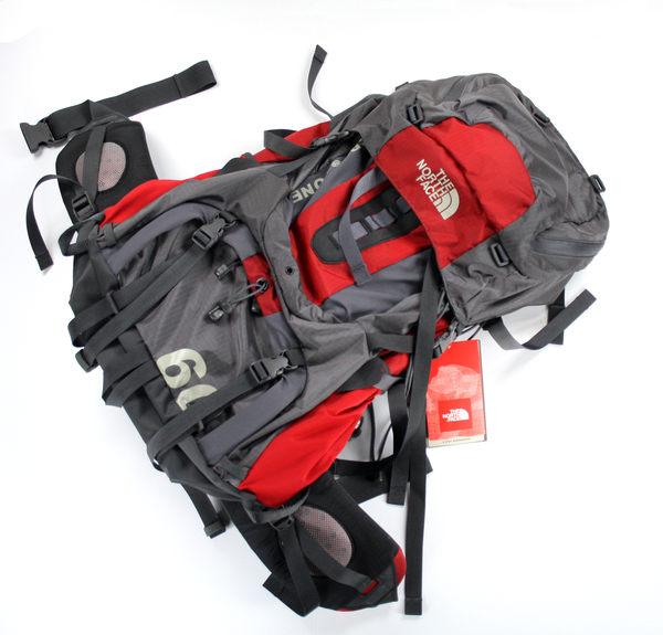 美國百分百【全新真品】The North Face 登山包 後背包 容量超大 防水 現貨黑色 可面交