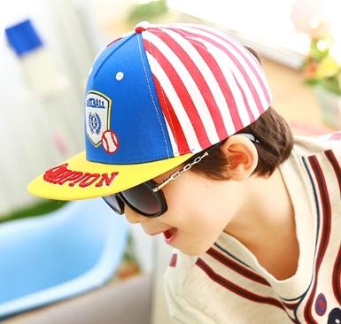 Kocotree◆時尚質感刺繡字母棒球徽章兒童休閒運動鴨舌棒球帽-黃色帽檐
