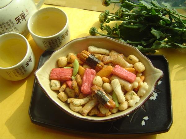 【日式和風醬太郎綜合米果 】《易買健康堅果零嘴坊》購滿1000免運再送贈品喔