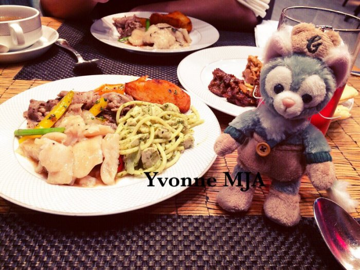 *Yvonne MJA日本代購*東京迪士尼Disney海洋樂園限定正品Gelatoni傑拉東尼畫家貓(萬聖)站立吊飾娃