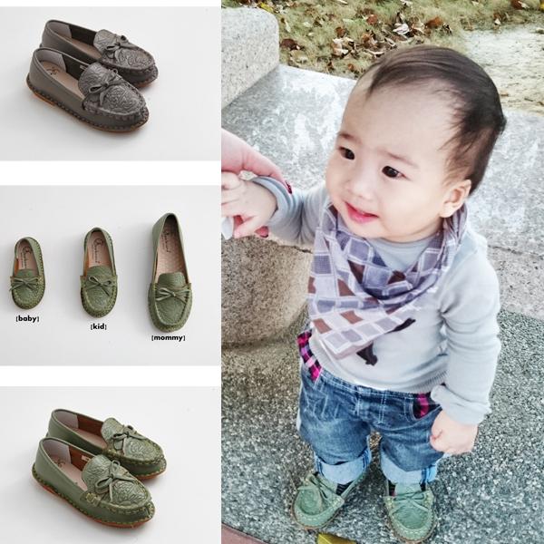 AppleNana。親子鞋。小寶寶真皮雕花QQ莫卡辛休閒鞋【QC80241080】蘋果奈奈
