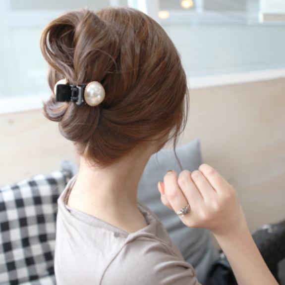 【SiSi 時尚派對】韓版時尚髮飾珍珠水鑽 髮夾抓夾