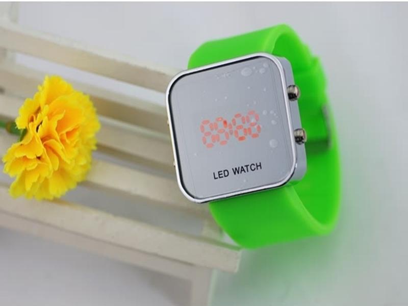 《316小舖》【PG14】(時尚電子手錶-LED電子手錶-單件價 /LED電子錶/女生手錶/生日禮物/聖誕節禮物/耶誕節禮物/日系手錶)