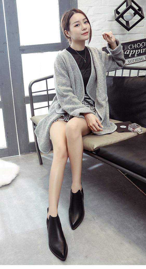 Ms.Perfect 歐美率性尖頭深V口低跟裸靴