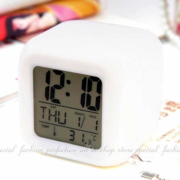 大型(80MM)方塊鐘款/溫度計/時間/鬧鈴/夜燈七彩鬧鐘【DB478】◎123便利屋◎
