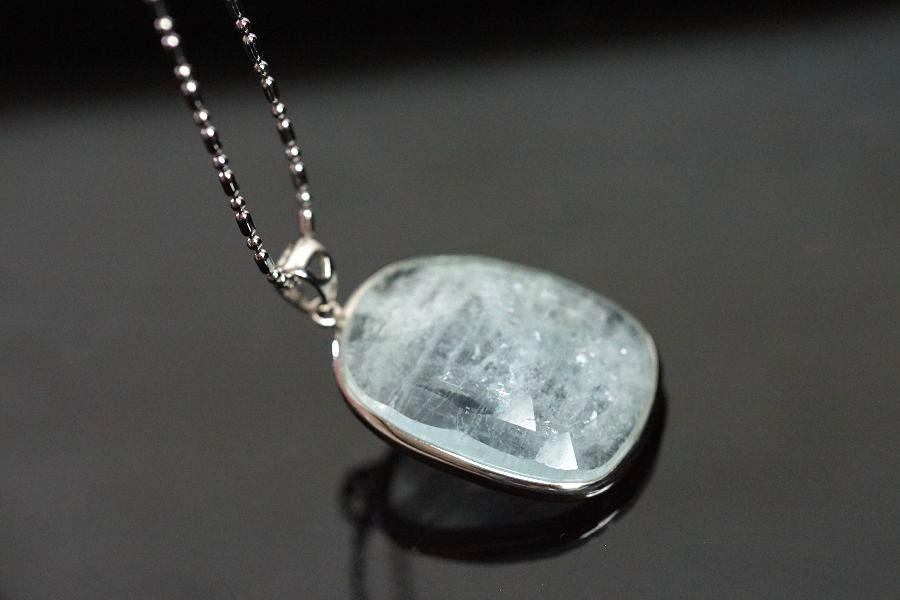 【喨喨飾品】海藍寶石純銀鑲框墜 M204