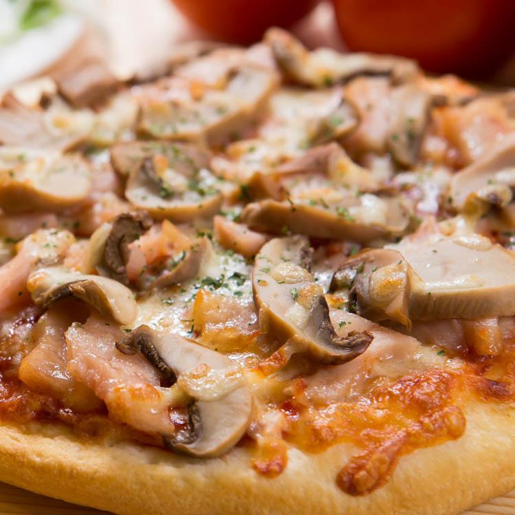 【法羅烤箱現作手工披薩】《燻雞磨菇pizza》