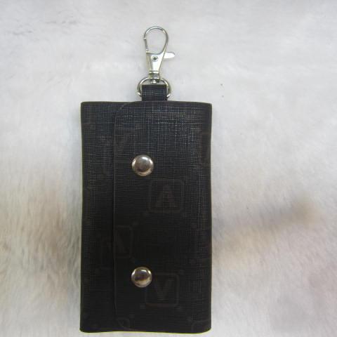 ~雪黛屋~SANDIA-POLO 專櫃品牌鑰匙包 進口防水防刮皮革6支鑰匙容量設計70-SA1301 V字料